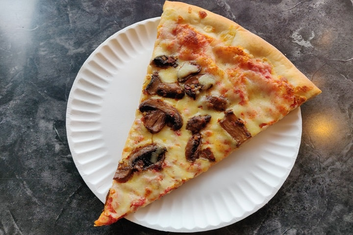 Nat's New York Pizzeria food