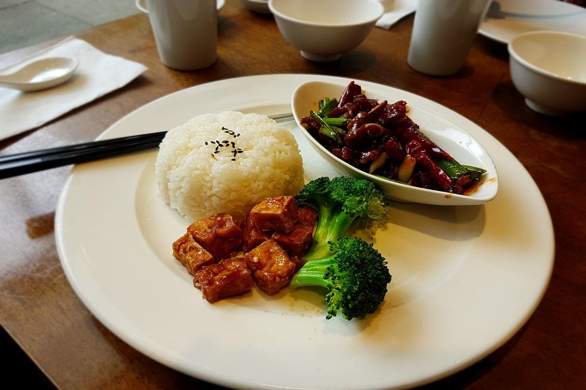 Dinesty Dumpling House