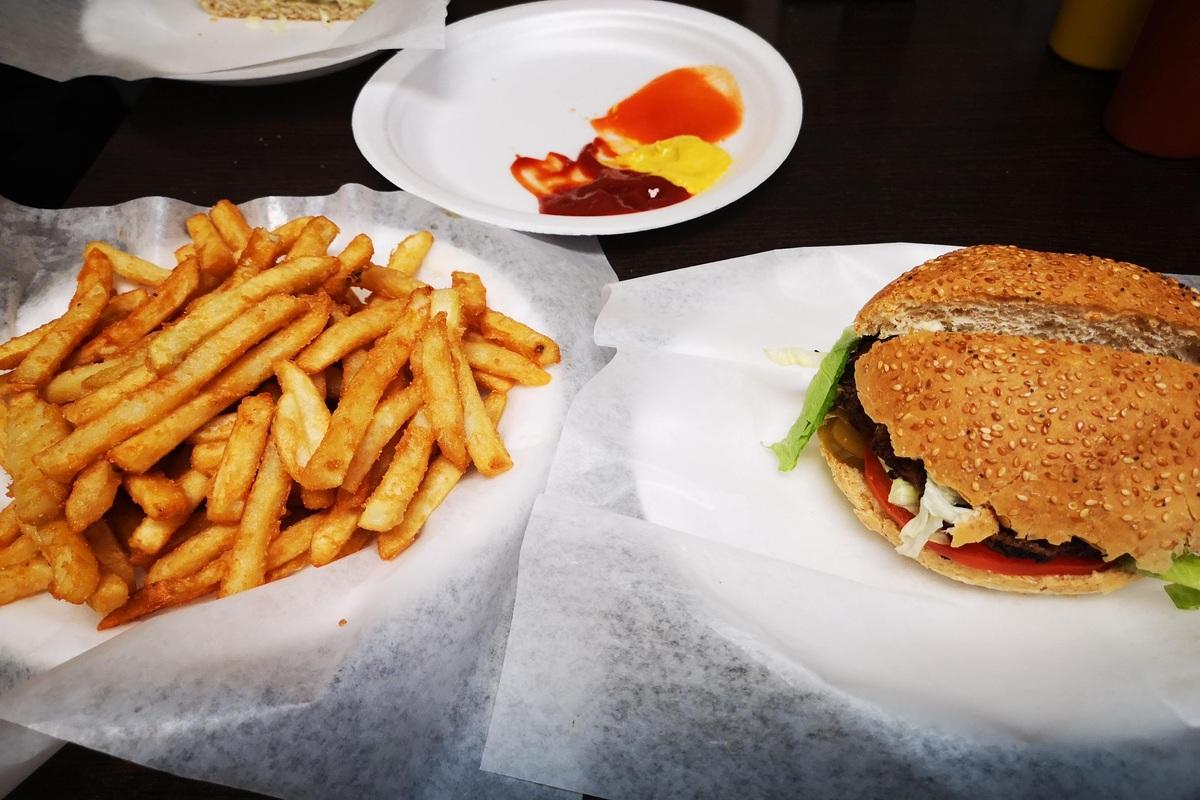 Chef Burger & Breakfast
