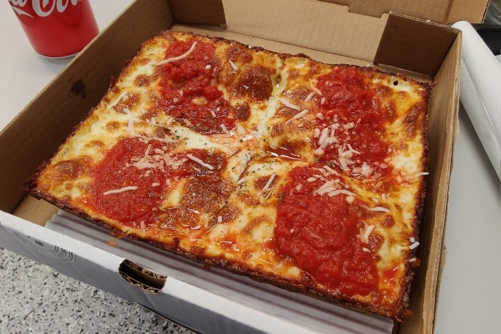 8Mile Detroit Style Pizza