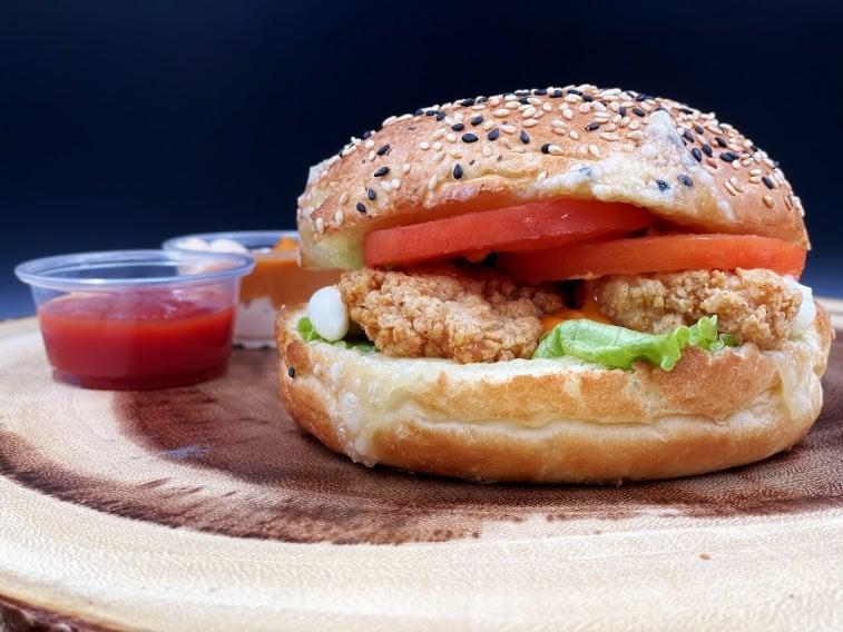 Best Burger Places near Lynn Valley Rd