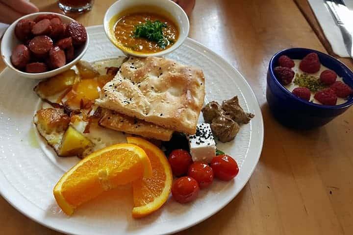 Takht-e Tavoos Restaurant
