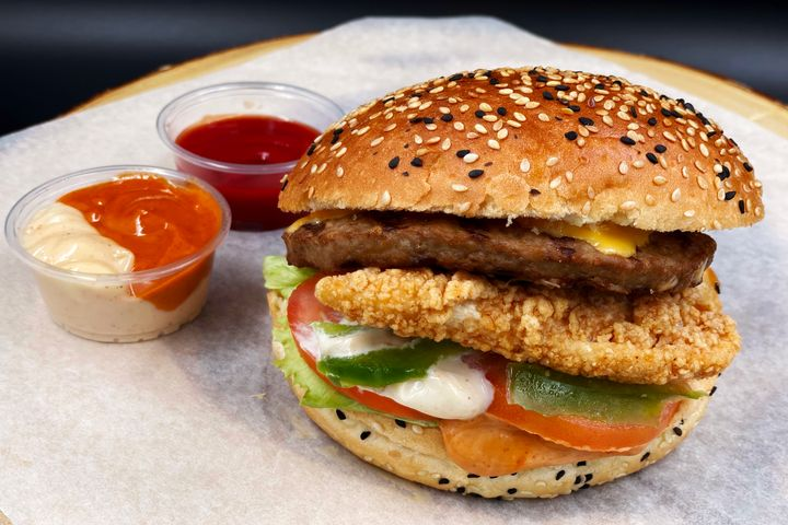 Best Burger Delivery Places New Market